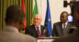 capoulas com ministro angolano