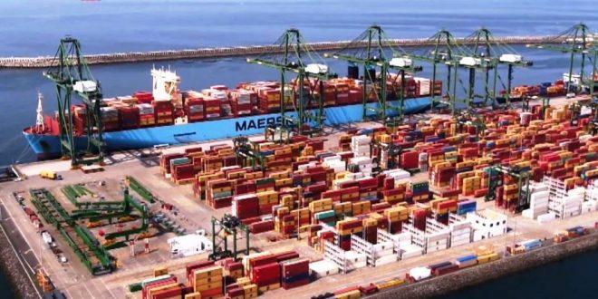 Madrid Maersk: dos maiores porta-contentores do Mundo no
